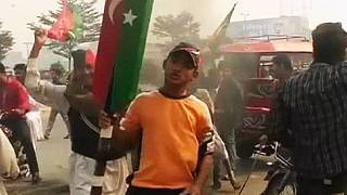 Pakistan: deadly violence at Imran Khan 'shut down' protest