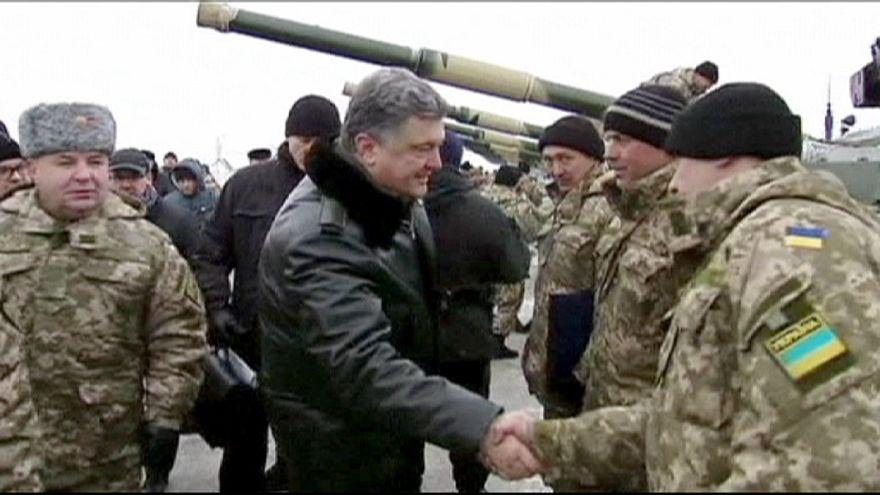 Konflikt in der Ostukraine: Ringen um Friedensgespräche und Waffenruhe