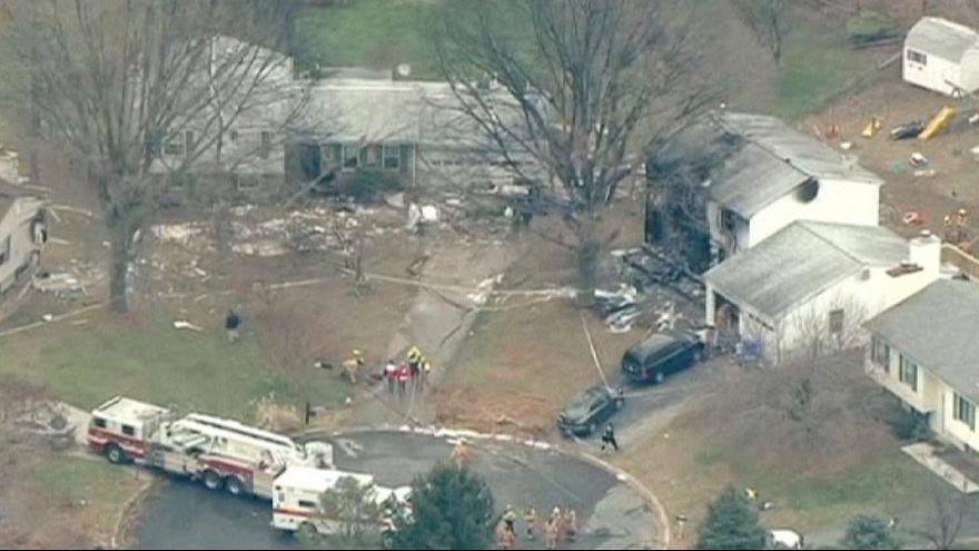 ABD'de özel jet eve çakıldı: Altı ölü
