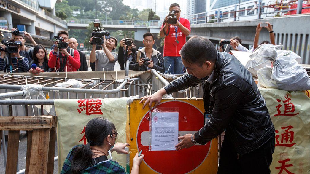 Manifestantes de Hong Kong têm dois dias para evacuar o centro