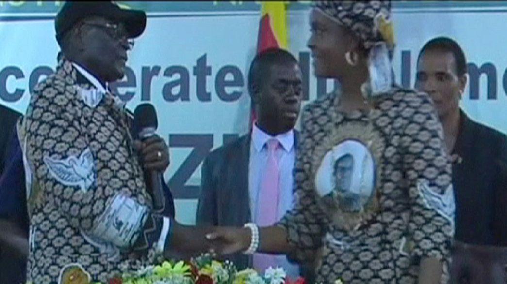 Signs of a power struggle in Zimbabwe: President Robert Mugabe sacks key government figures