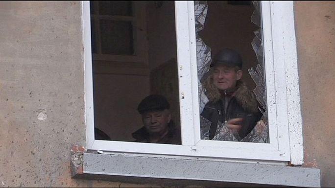 الحكومة الأوكرانية تتهم الإنفصاليين بخرق هدنة وفق إطلاق النار