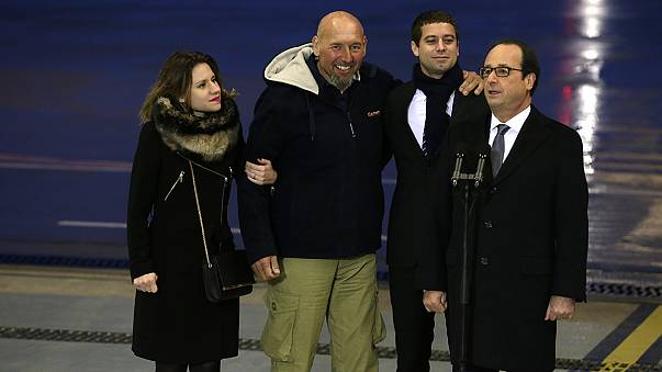 Hollande leads homecoming for freed French hostage Serge Lazarevic