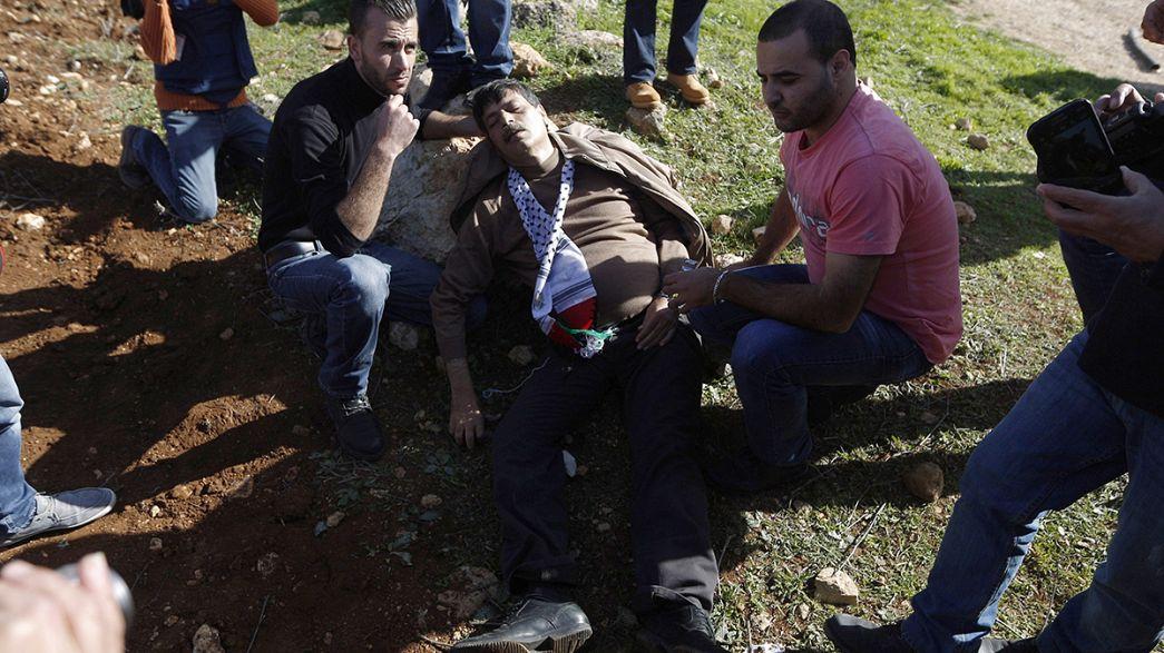 Ministro palestiniano morre após agressão de militares israelitas