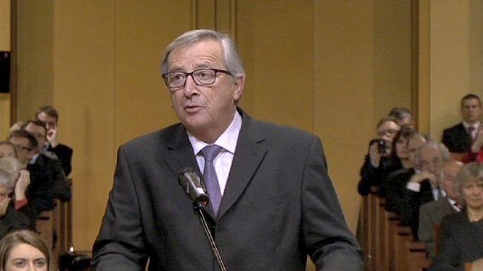 Juncker hivatali esküjénél is az adóbotrány volt a téma