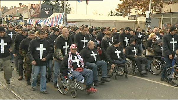 كرواتيا: مسيرة للمحاربين القدامى في زغرب
