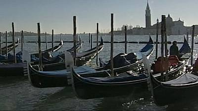 New gondola safety rules come into force in Venice after fatal accident