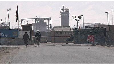 Afeganistão: EUA encerram centro de detenção de Bagram