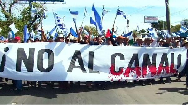 Cientos de nicaragüenses marchan contra el proyecto del canal interoceánico en Nicaragua