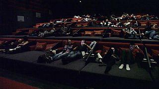 El primer cine con camas de Europa abre sus puertas en Budapest