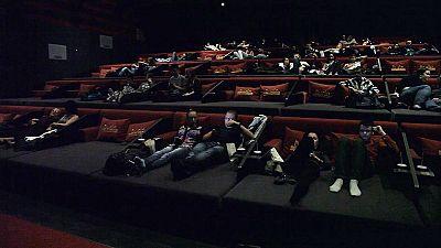 """O primeiro """"Bed Cinema"""" da Europa nasceu na Hungria"""