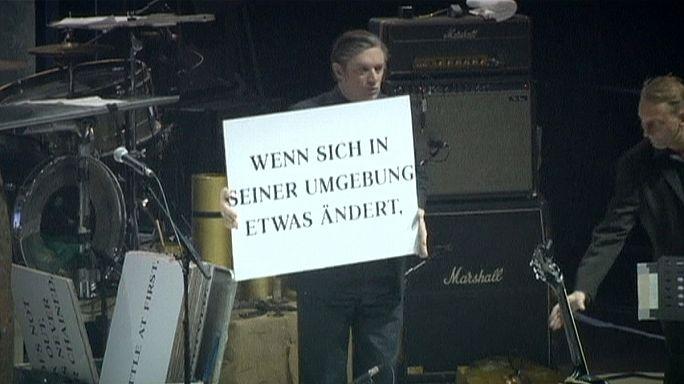 """""""Einstuerzende Neubauten"""", groupe allemand culte"""
