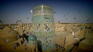 Özbekistan'ın kumlarla kaplı tarihi şehri Hiva