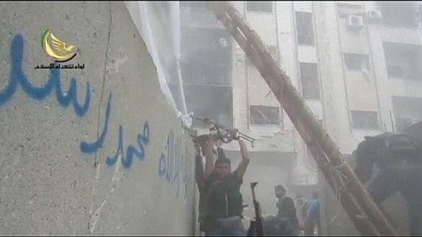 Már Damaszkusz közelében harcolnak a szír lázadók