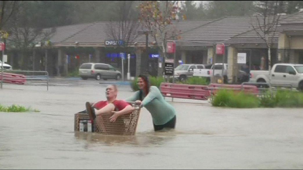California'da şiddetli yağış sonrası sel