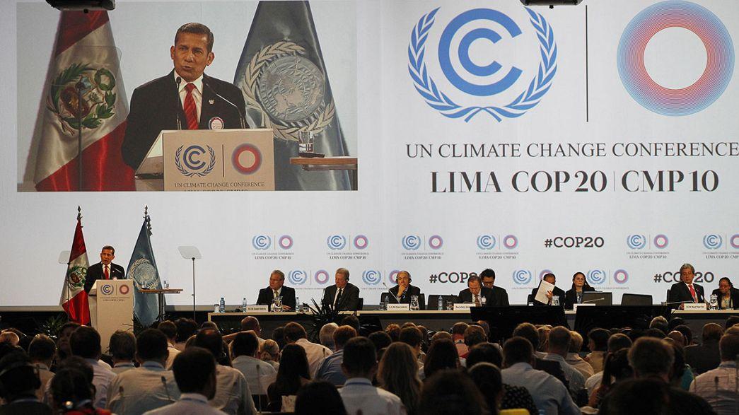 Kerry recebido com protestos na Cimeira do Clima