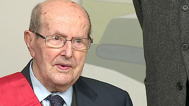 Manoel de Oliveria'nın 106. yaş günü hediyesi Fransa'dan