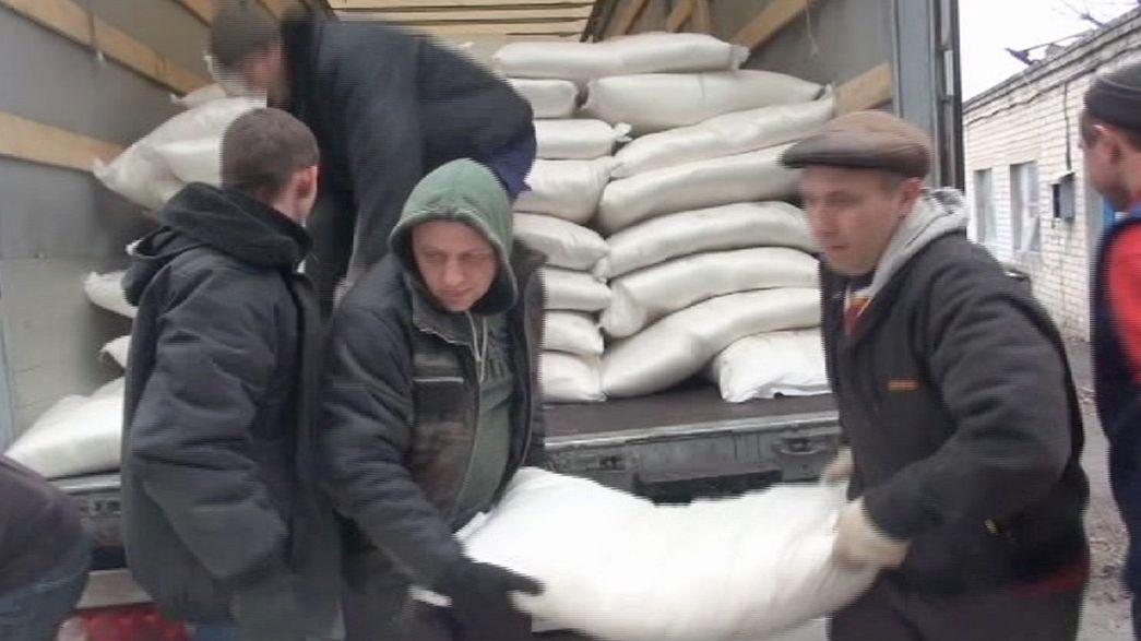 Llega a Ucrania un convoy ruso de ayuda humanitaria en el tercer día de tregua