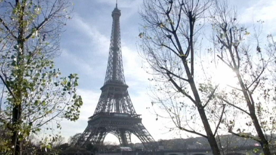 Fitch reduz nota da França para AA