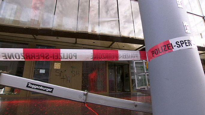 Zürih'te aşırı solcular polisle çatıştı