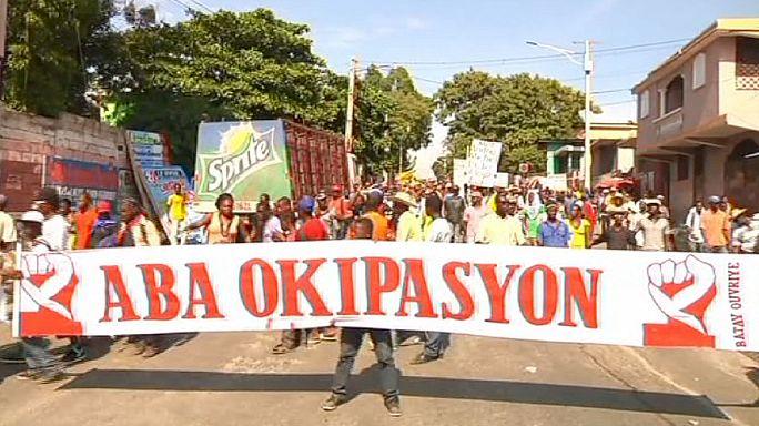 Választásokat követelnek a tüntetők Haiti-n