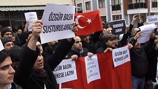 Turchia: arrestati decine di giornalisti vicini a Gülen, l'avversario di Erdogan