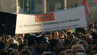 """Манифестанты в Кельне: """"На наших площадях нет места нацизму"""""""