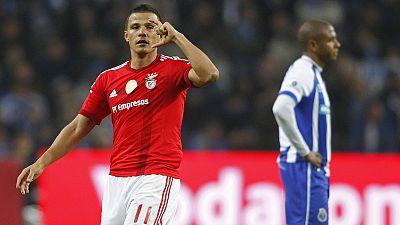"""Liga Portuguesa, J13: Benfica """"engole"""" o Dragão e deixa Sporting a 10 pontos"""