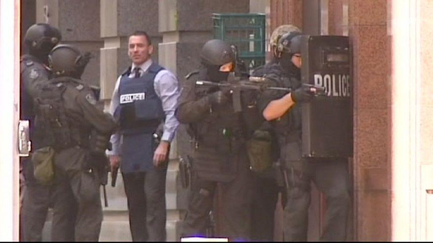 Жители Сиднея потрясены захватом заложников
