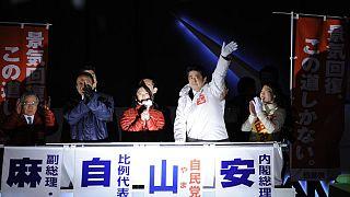 Ιαπωνία: Τι θα φέρει η εκλογική νίκη του Σίνζο Άμπε