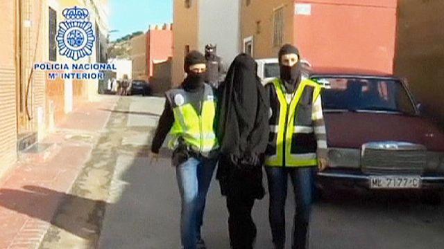Detenidos en España y Marruecos 7 miembros de una red que captaba mujeres para el yihadismo