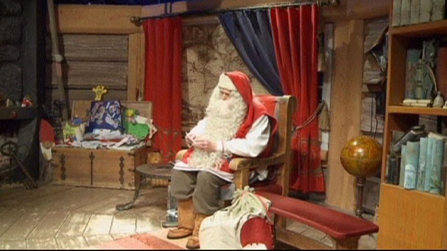 Már a karácsonyra készül a Mikulás