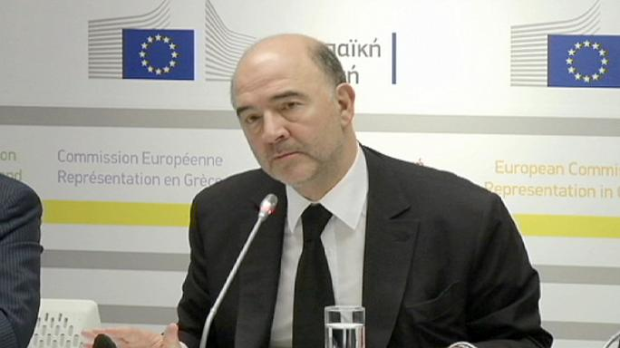 Moscovici, optimista en Atenas sobre la renegociación del rescate griego