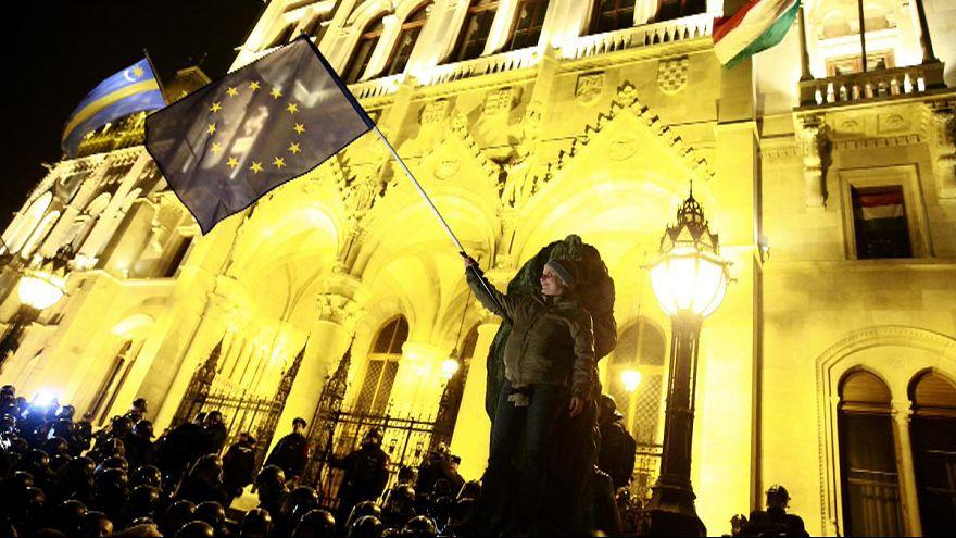 Budapeşte'de hükümet karşıtı gösteriler