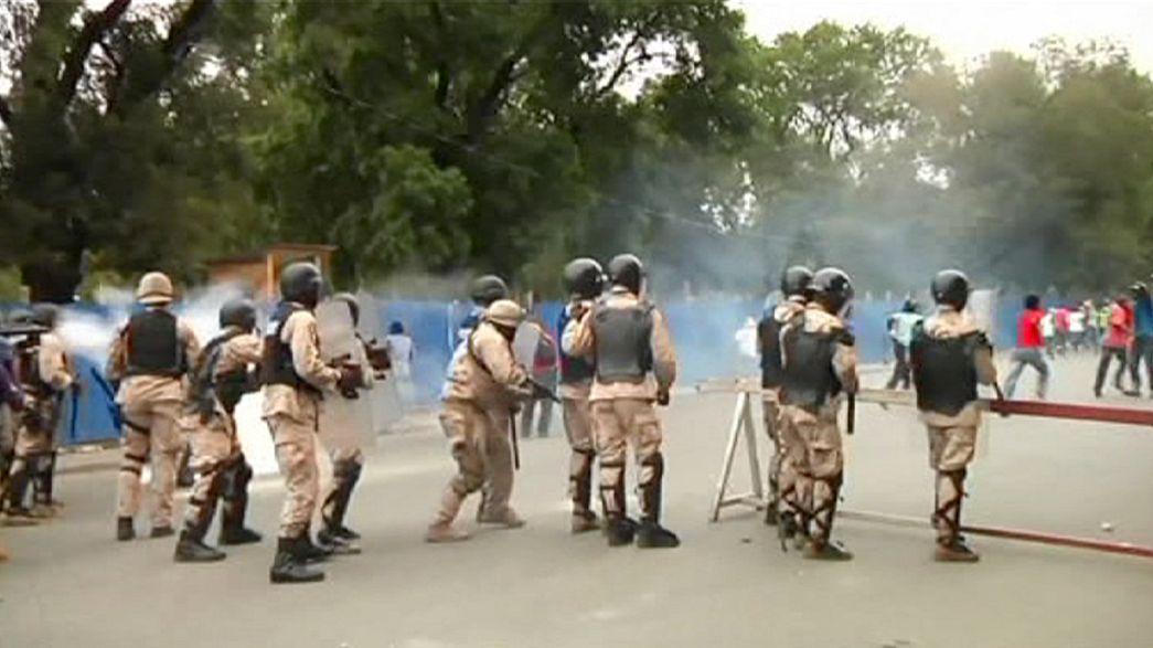 Demonstranten in Haiti fordern jetzt Rücktritt des Präsidenten
