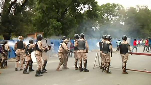 Haiti: oposição manifesta-se na capital para exigir demissão do presidente