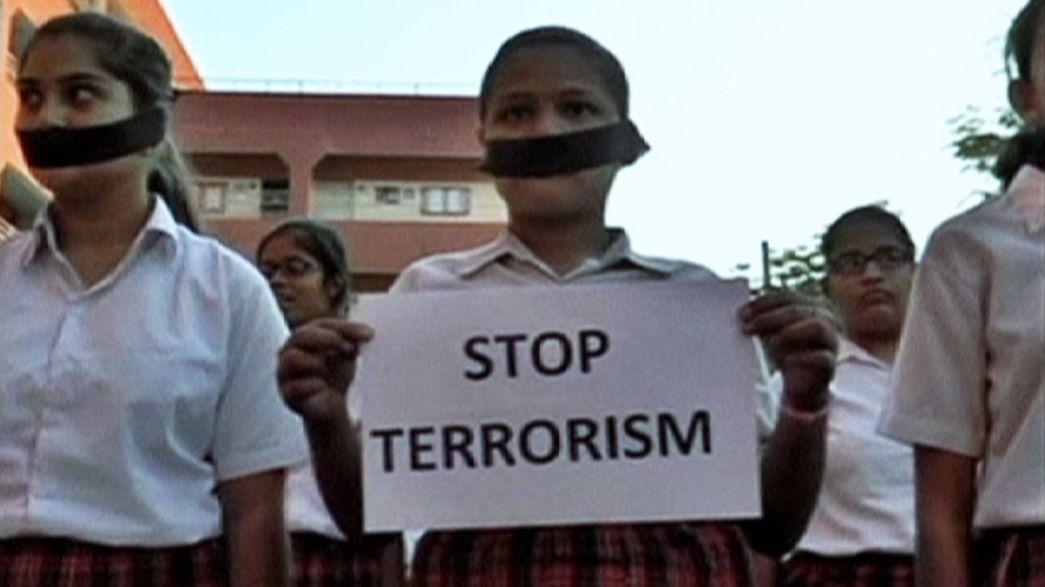 """Paquistão: """"Que mal é que nós fizemos? Não somos do exército nem dos talibãs"""""""