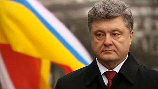 Poroshenko 'pisca o olho' à Aliança Atlântica