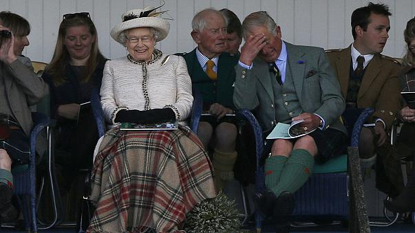 British bookmakers suspend bets on Queen's abdication announcement