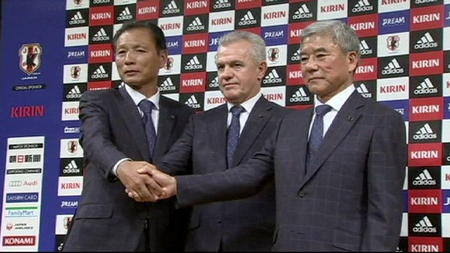 Corrupção: Federação japonesa de futebol mantém confiança em Aguirre