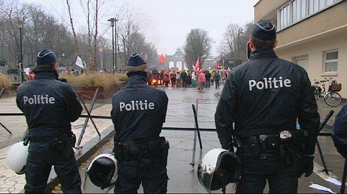 A szabadkereskedelmi tárgyalások ellen tüntettek Brüsszelben