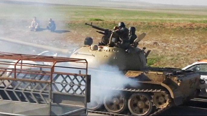 Combatentes curdos cortam linhas de abastecimento aos djhadistas