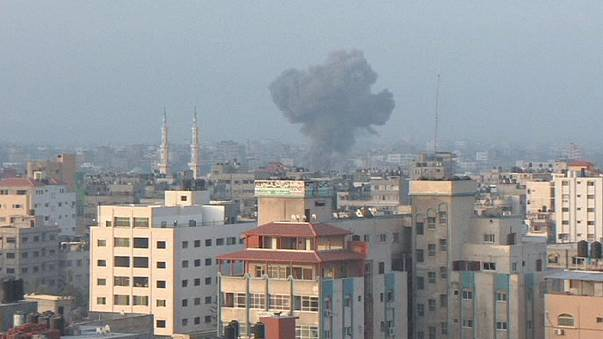 Nach Raketenbeschuss: Israel bombardiert Gazastreifen