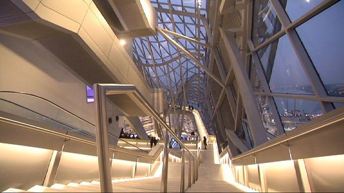 المتحف المبنى في ليون الفرنسية يجمع بين موضوعات قديمة وتقنيات عصرية