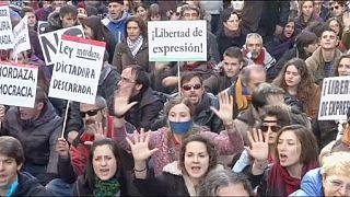"""Protestos em Madrid contra a """"lei da mordaça"""""""