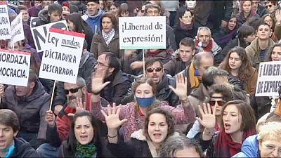 """Espagne : manifestations contre la """"loi du bâillon"""""""