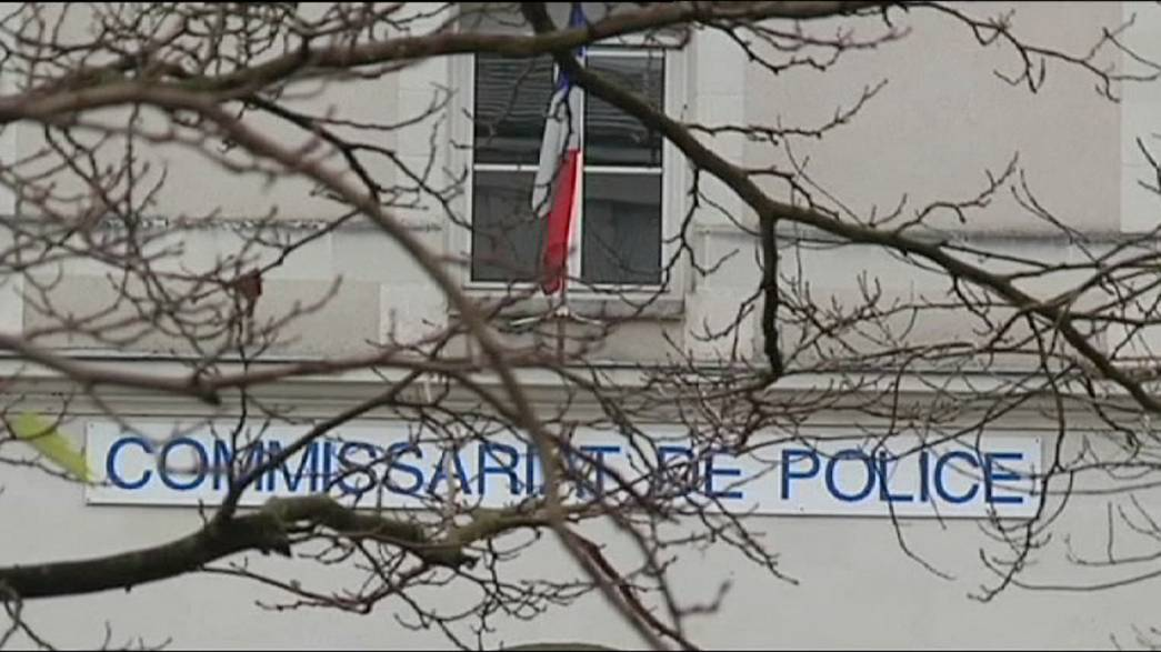 Francia: l'unità antiterrorismo indaga sull'attacco al commissariato