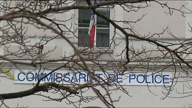 Fransa'da polis karakoluna bıçaklı saldırı