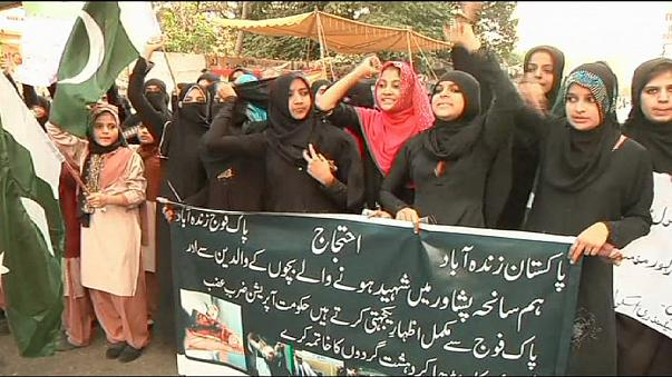 New laws to 'wipe out' militants after Pakistan school massacre
