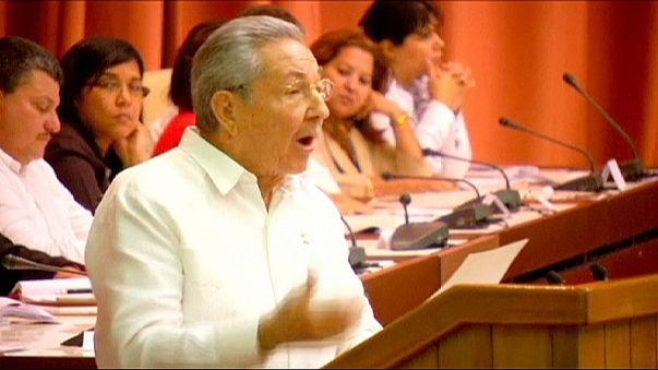 L'Avana, Raul Castro in Parlamento: ''Cuba resta comunista, chiediamo rispetto''